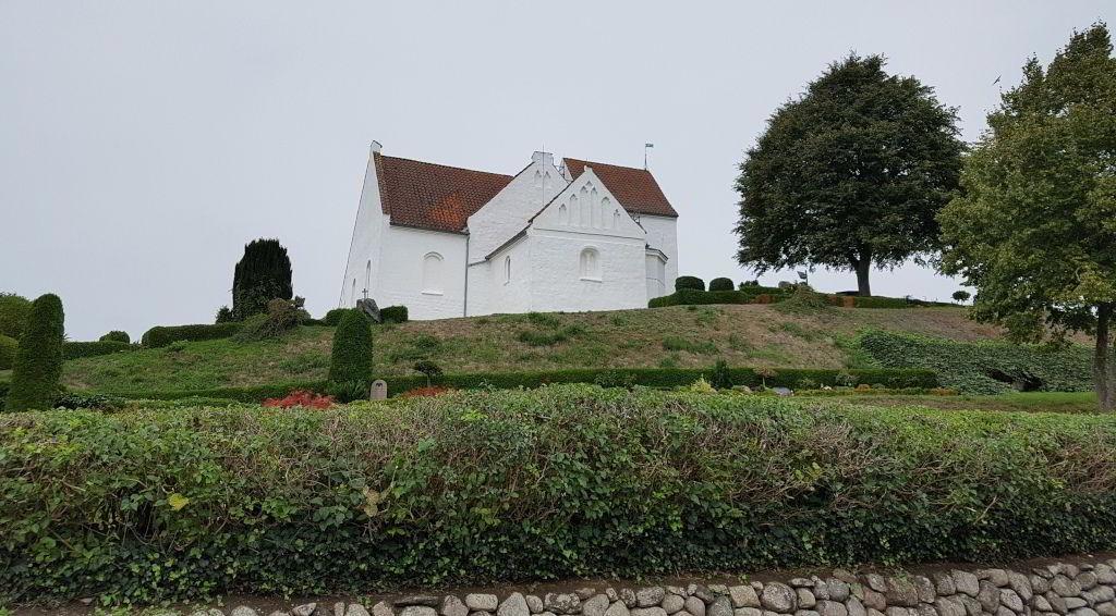 Pedersborg kirke ved Pedersborg sø